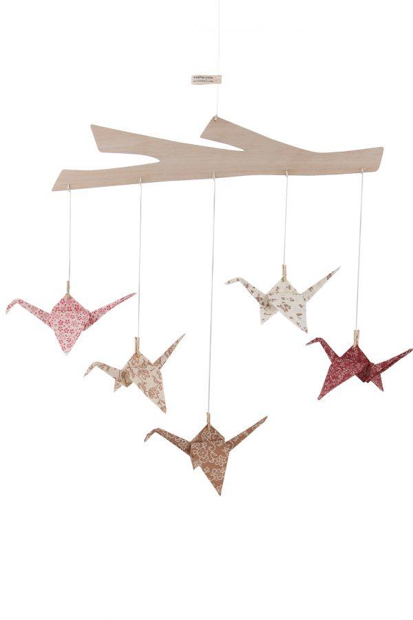 מובייל עגורים, מובייל התפתחותי , מובייל לתינוק, מובייל אוריגמי בד ורוד, 5 עגורים ומתלה עץ , מתנת לידה, מתנה לתינוק שנולד, מובייל אוריגמי, מובייל ורוד. מורן אלחלל אוריגמי בד