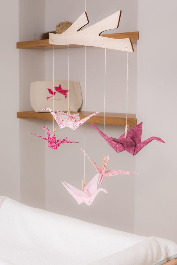 מתנת לידה , מובייל לעיצוב חדר הילדים , מובייל לתינוק עגורים ורודים בהדפסים שונים - מורן לאחלל אוריגמי בד