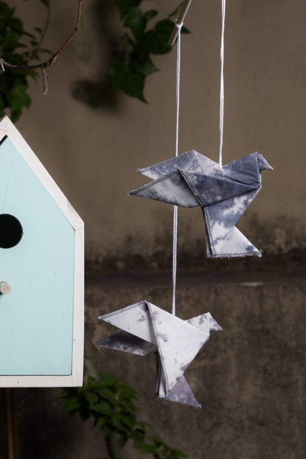 מובייל זוג ציפורים, ציפורי אוריגמי בד, טאי דאי, מובייל לגינה, מובייל לעיצוב הבית, מתנה לבית חדש, חנוכת בית, מתנת סוף שנה. מורן אלחלל אוריגמי בד