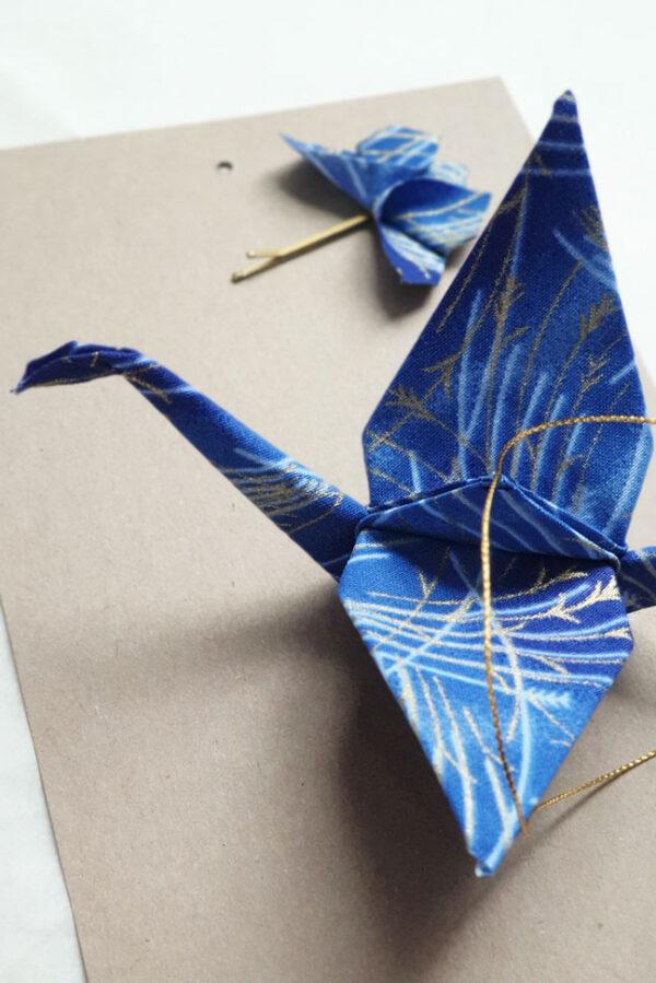 עגור יפני לתקיפוט ולתלייה, עגור למזל ולברכה, מתנה בעבודת יד, מתנה מיוחדת, עגור יפני, סיכת ראש , פרפרי אוריגמי מעוצבים, מורן אלחלל אוריגמי בד