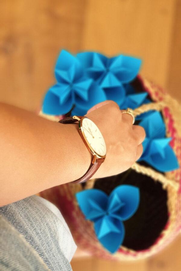פרח אוריגמי 3 קנים, פרח כחול, פרח מתנה, אריזת מתנה, פרחים לאירועים, מתנות לעובדים, מתנה למורה, מתנה לגננת, מתנות בעבודת יד, פרחים מנייר, אירועי קונספט, עיצוב לאירועים, מורן אלחלל אוריגמי